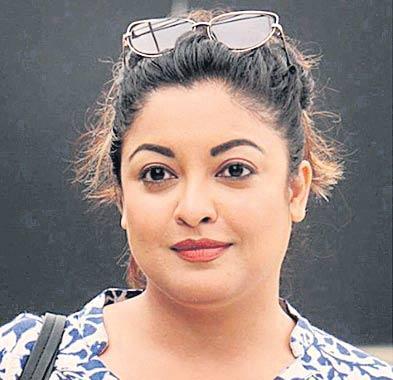 Tanushree Dutta Files Police Complaint Against Nana Patekar - Sakshi