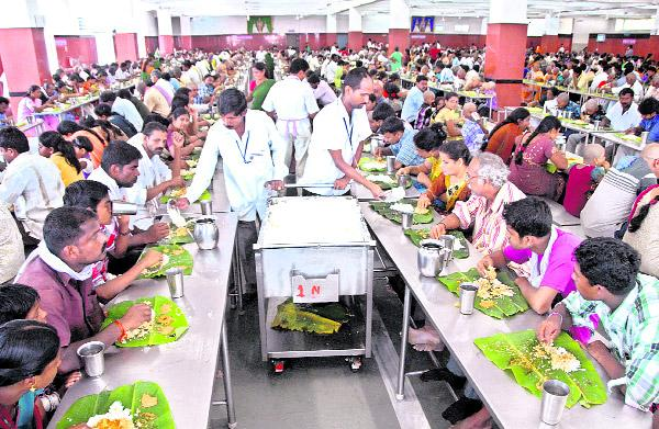 Annadanam, the best among TTD services - Sakshi