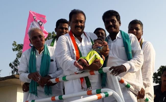 Shabbir Ali Slams KCR In Election Campaign - Sakshi