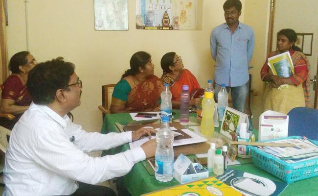 Wrong Report On Pregnant Woman HIV Test East Godavari - Sakshi
