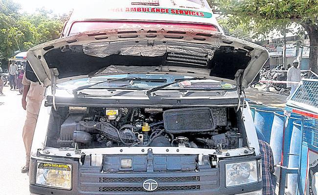 108 Vehicles Damaged In Telangana - Sakshi