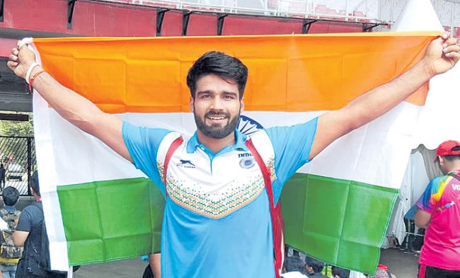 India scoop 11 medals with three gold, Sandeep smashes world record - Sakshi