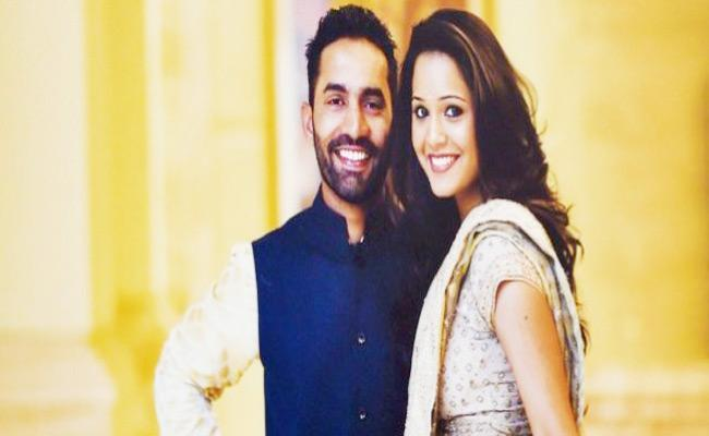 Dipika Pallikal Reveals How Dinesh Karthik Feels About Her - Sakshi