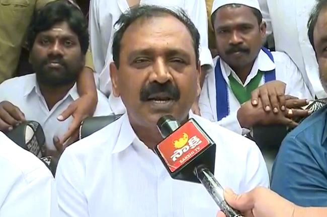 Chandrababu Is Selfish Says YSRCP Leader Bhumana Karunakar Reddy - Sakshi