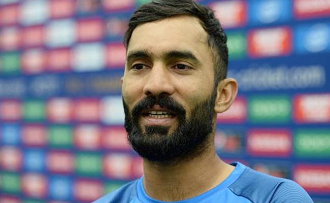 Rishabh Pant best man to replace legend MS Dhoni, says Vijay Dahiya - Sakshi
