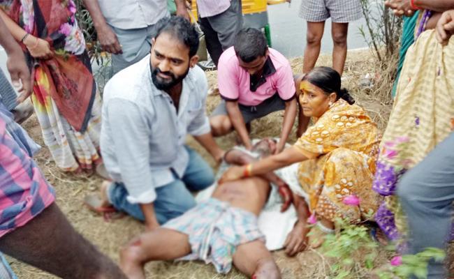Two Men Died In Sports Bike Accident Vizianagaram - Sakshi