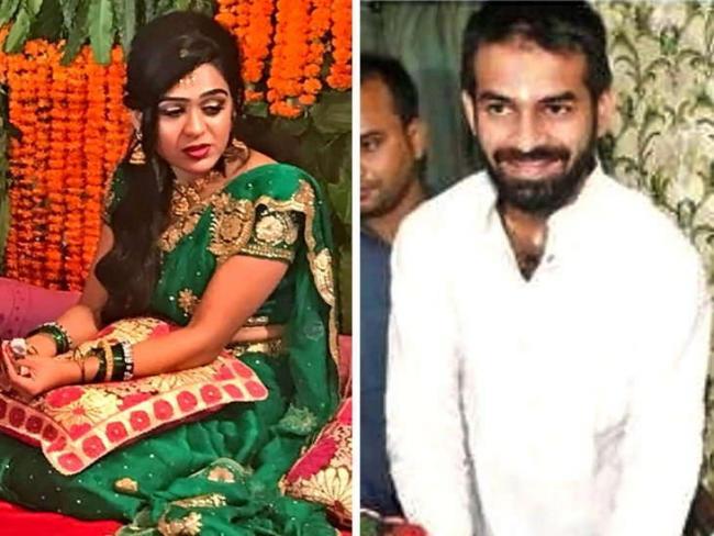 Won't Come Home Till Family Backs Divorce Decision - Sakshi