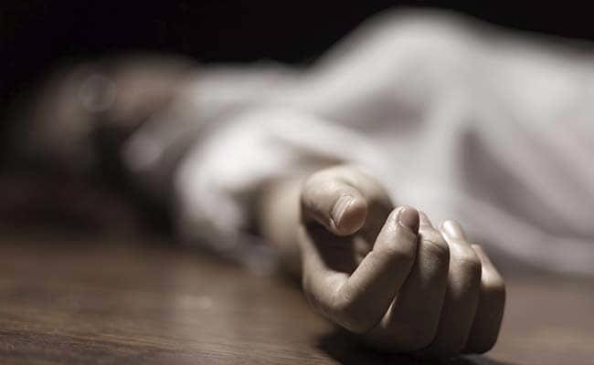 Pregnant Woman Killed For Objecting To Co-Passenger Smoking In Train - Sakshi