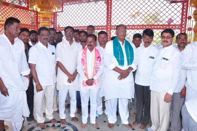 Nallgonda MP Gutta Sukhendhar Reddy Canvass - Sakshi