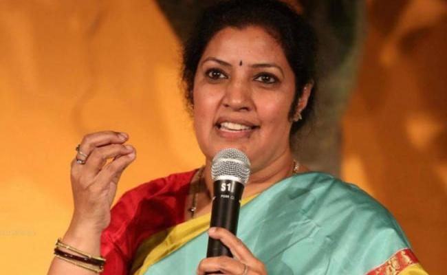 Daggubati Purandeswari Slams TDP Over Alliance With Congress - Sakshi
