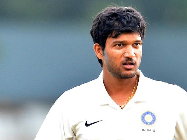 Jalaj Saxena  century at the end of the second day of the Ranji Trophy  - Sakshi