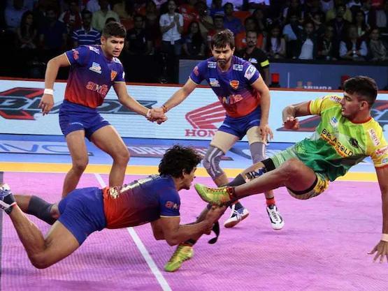 Patna Pirates Beat Dabang Delhi - Sakshi