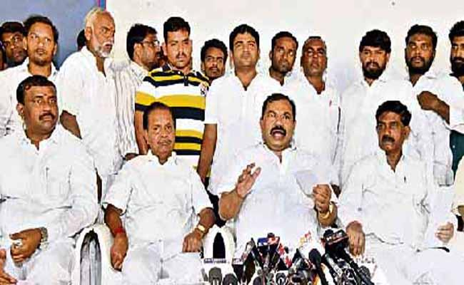 Politics in Ibrahimpatnam Congress - Sakshi