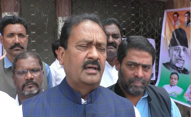 Congress Leader Shabbir Ali Slams KTR In Kamareddy - Sakshi