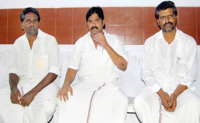 Tamilnadu Govt Releases Accused AIADMK In Bus Burning Case - Sakshi