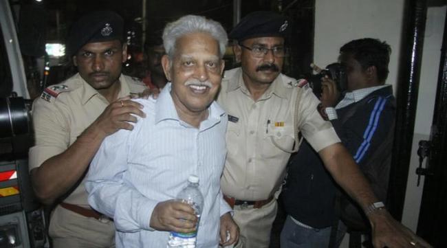 Varavara Rao back in Pune police custody - Sakshi