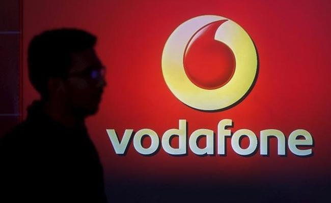 Vodafone Offers 100 Percent Cashback on Unlimited Recharge Packs - Sakshi