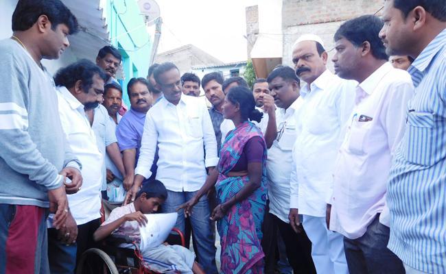 Doctor helps Handicapped Boy For Free Treatment - Sakshi