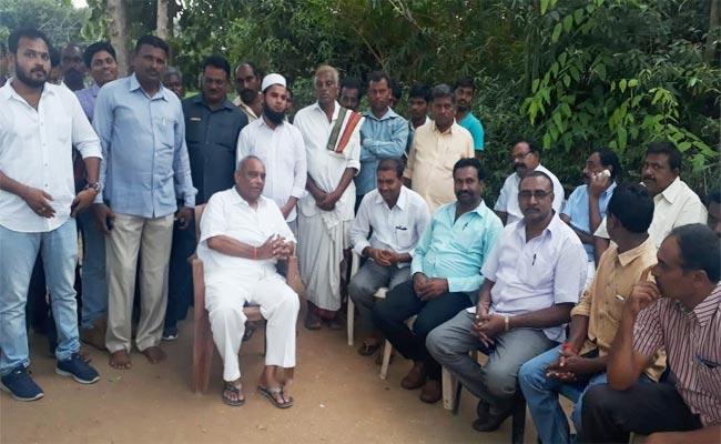 Congress Leader Jalagam Prasada Rao Join In TRS Khammam - Sakshi