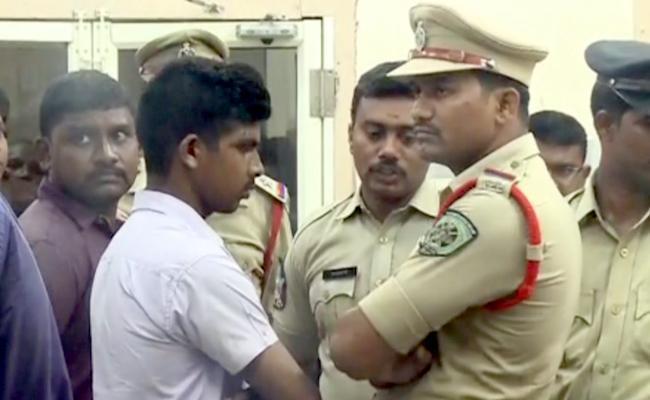 Murder Attempt On YS Jagan SIT Inquired 52 Members - Sakshi