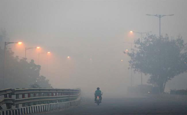 India is The Second most Air Polluted Country - Sakshi