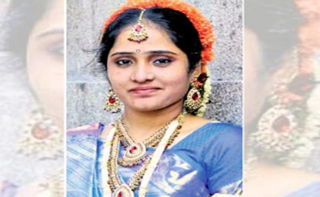Extra Dowry Harassments Married Woman Suicide - Sakshi