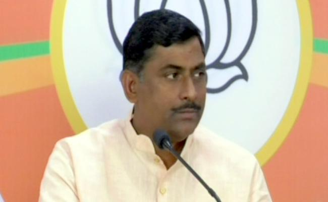 BJP Leader Muralidhar Rao Fires on Telangana Grand Alliance - Sakshi