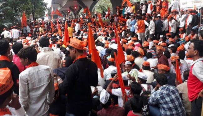 Maharashtra Assembly Passes Bill Promising  Reservation To Marathas - Sakshi