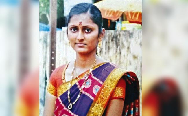 Teacher Murdered In Tamil Nadu - Sakshi