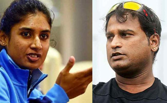 Indian Womens Team Coach Ramesh Powar May Not Get Extension - Sakshi