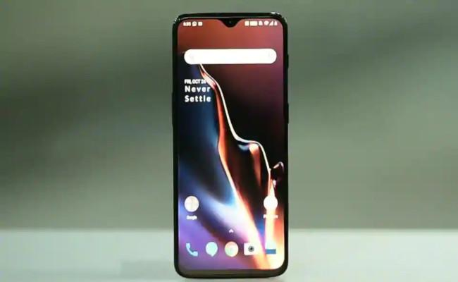 OnePlus 6T Lucky Star offer From Amazon India offers 600 gifts to one buyer - Sakshi