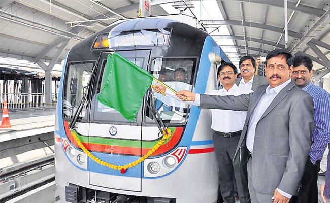 Ameerpet to Hitech City Metro Train Trial Run Starts - Sakshi