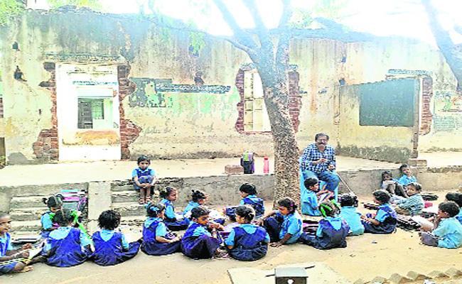 Worst Govt Schools In Vizianagaram - Sakshi