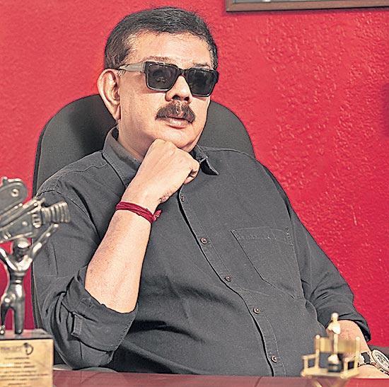 Suniel Shetty, Arjun join Mohanlal's Marakkar movie - Sakshi