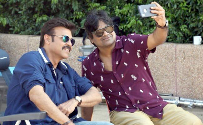 Harish Shankar Meets Venkatesh In F2 Sets - Sakshi