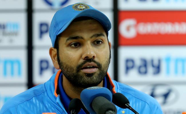Krunal Pandya wanted to bowl to Kieron Pollard and got him out Rohit - Sakshi