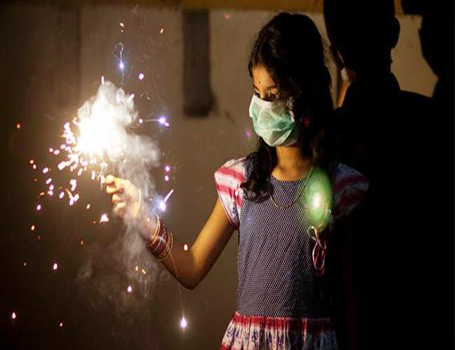 How to Protect Lungs Diwali 2018 - Sakshi