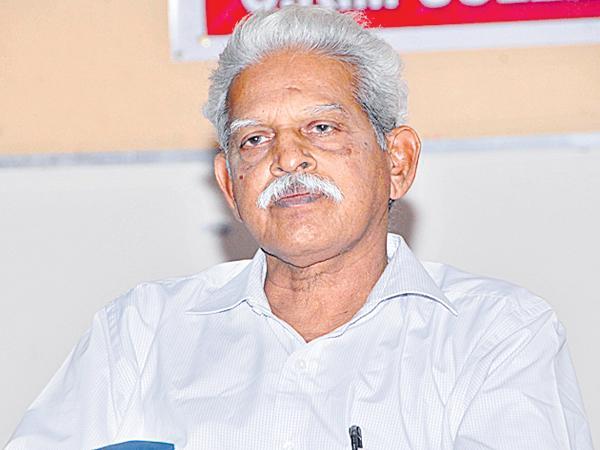 High Court order to the Telangana Police to Provide medical services to Varavara Rao - Sakshi
