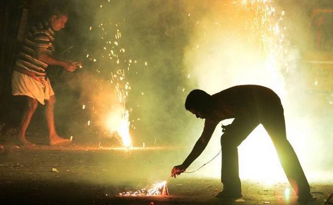 Many Cases Registered For bursting Crackers In Tamil Nadu - Sakshi