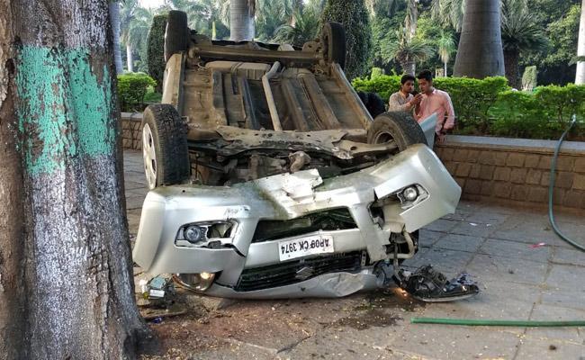 Car Accident At TS Secretariat - Sakshi