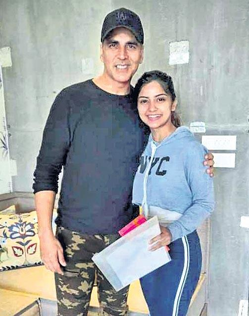 Akshay Kumar to reunite with R Balki for Mission Mangal starring - Sakshi