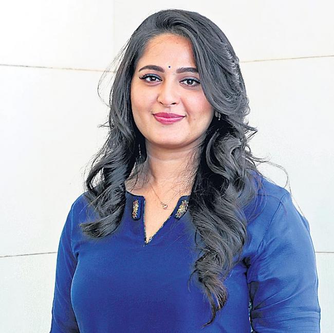 Anushka, Madhavan to begin shooting for Silence next year - Sakshi
