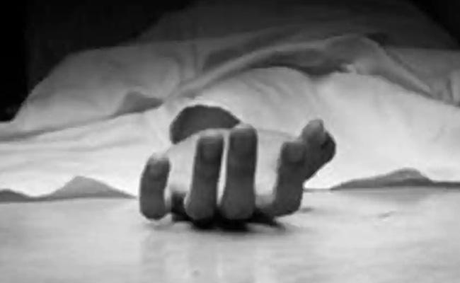 Teen Stabbed To Death For Refusing To Take Neighbour Diwali Shopping - Sakshi