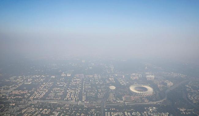 50 lakh kg of crackers burnt in Delhi this year - Sakshi