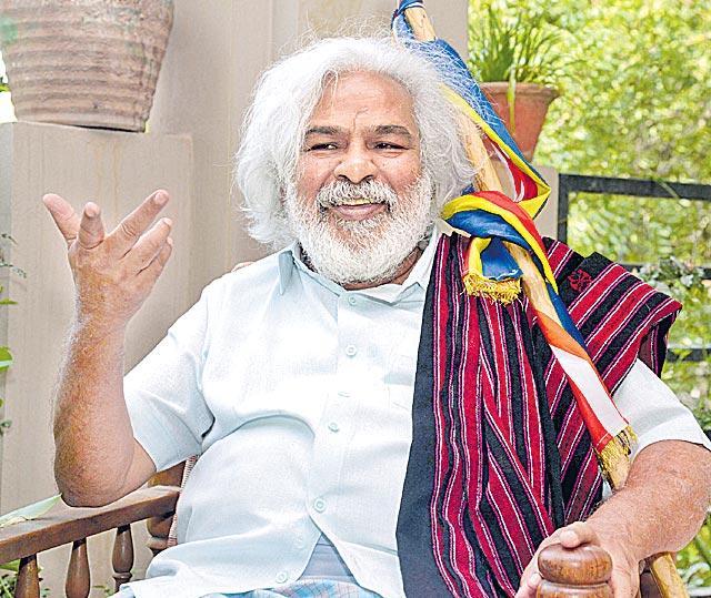 gaddhar contesting gajwel - Sakshi