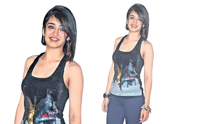 Akshara Haasan opens up about her leaked private pics - Sakshi