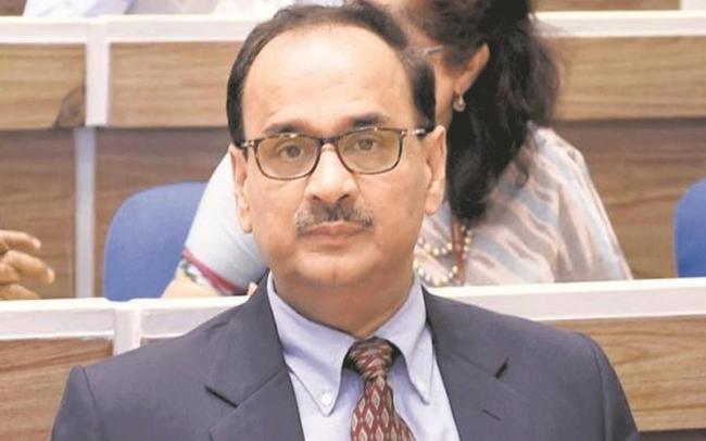 CBI chief Alok Verma meets vigilance commissioner - Sakshi