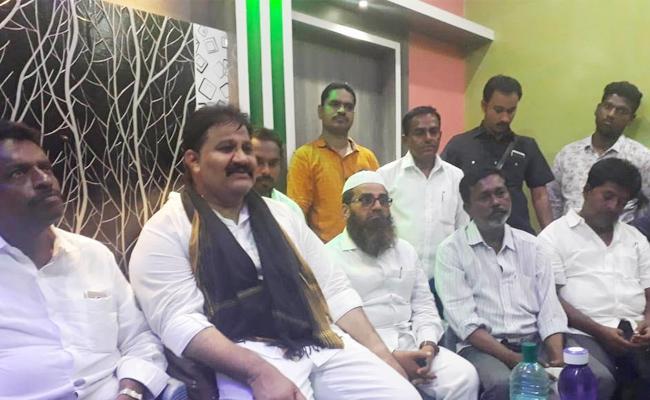 Rachamallu Shiva Prasad Reddy Slams CM Ramesh And Chandrababu Naidu - Sakshi