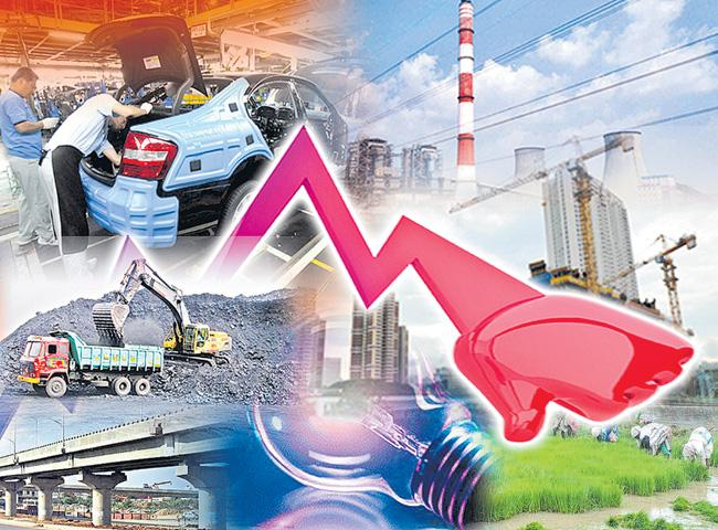 GDP growth stutters in new headache for govt - Sakshi
