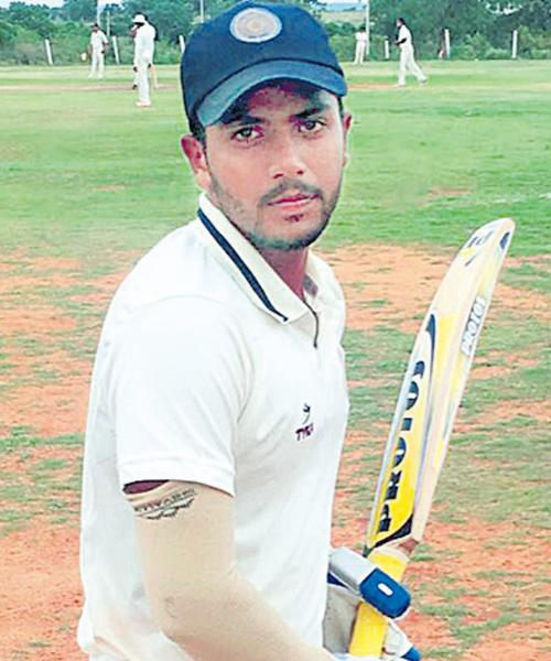 Hyderabad take one run lead against Himachal - Sakshi